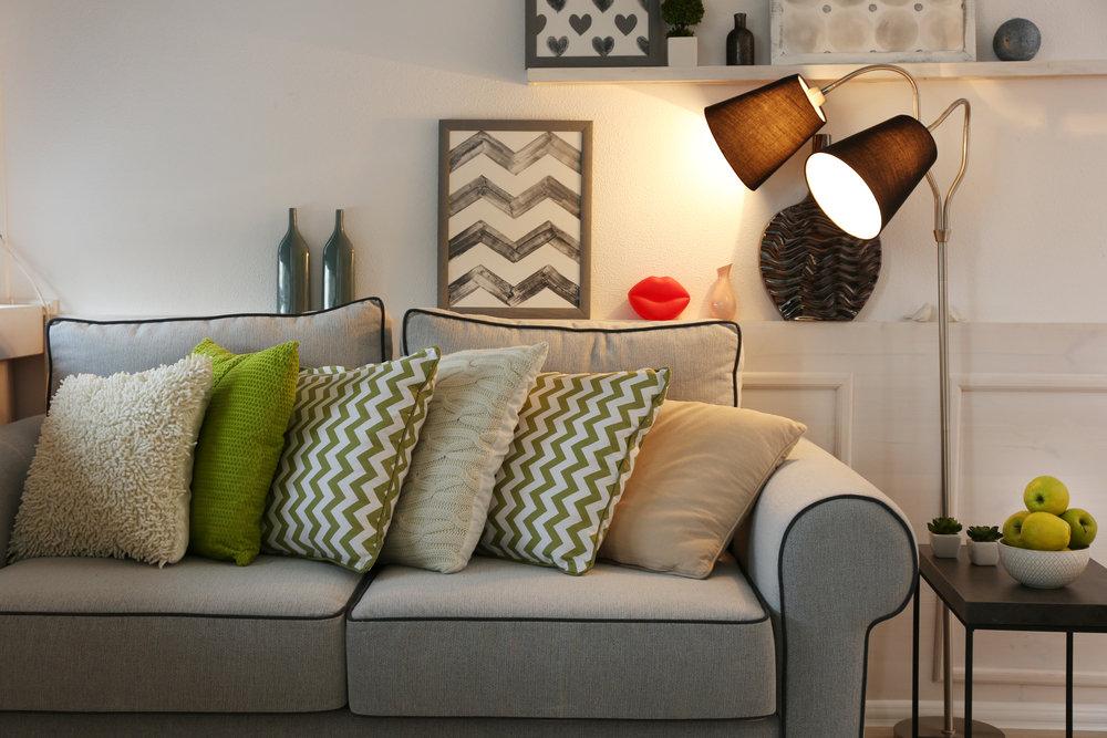 skuteczne-i-dekoracyjne-oswietlenie-salonu-–-odkrywamy-jego-sekrety2.jpg